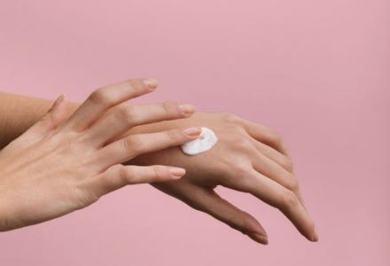 kremowanie rąk