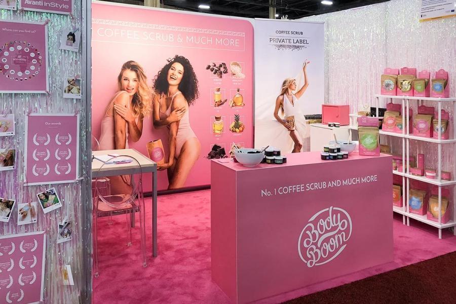 aranżacja stoiska na targach kosmetycznych w Las Vegas