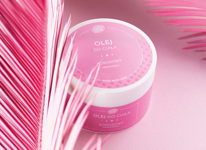 kosmetyk dla kobiet w różowym słoiku